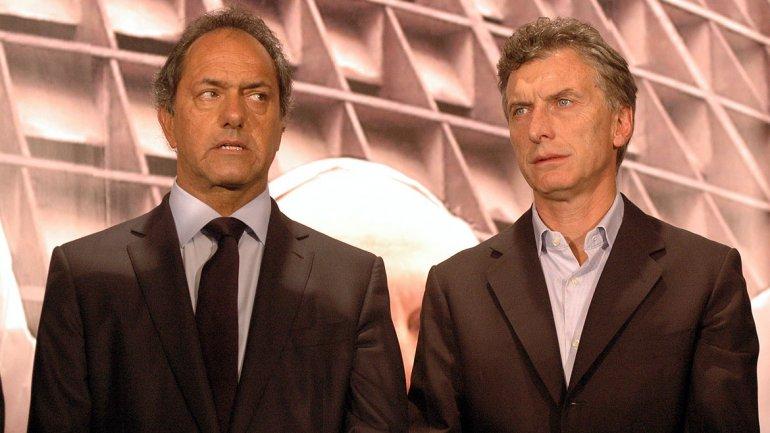 Scioli se impondría en primera vuelta, pero la suma de la oposición acercaría a Macri en la general