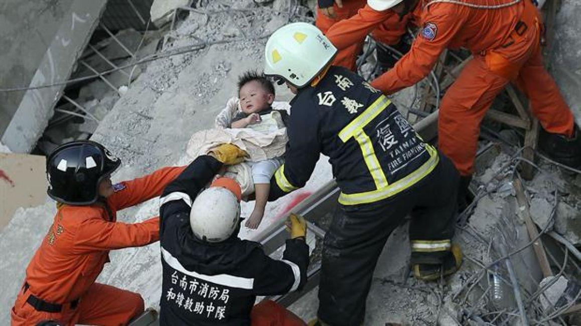 Sismo en Taiwán: hay 13 muertos y un centenar de desaparecidos