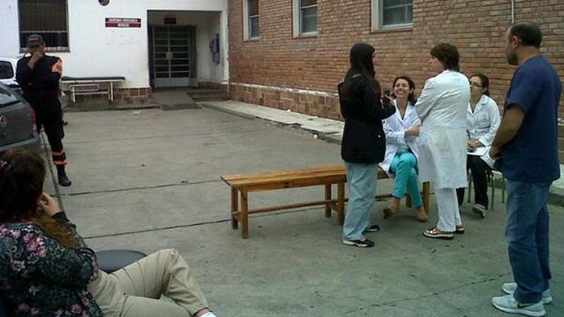Son obligados a trabajar en la morgue, a pesar de haberse declarado al lugar como insalubre