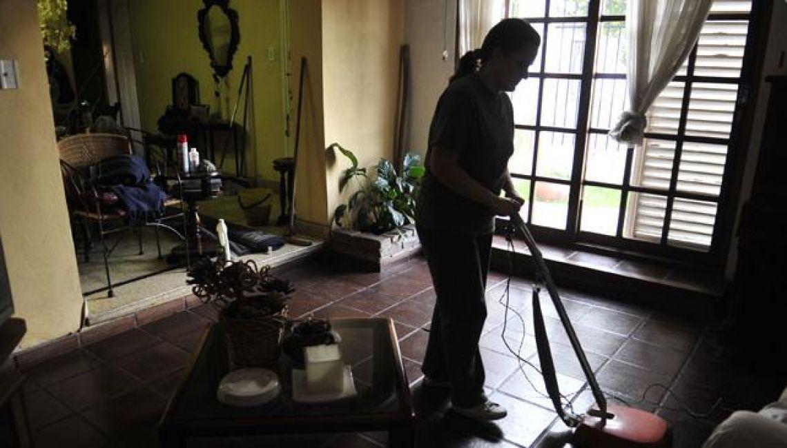Empleadas domesticas tendrán un aumento del 33%