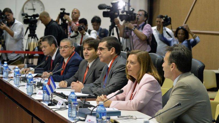 Día clave en las negociaciones entre EEUU y Cuba: discutirán la normalización de las relaciones