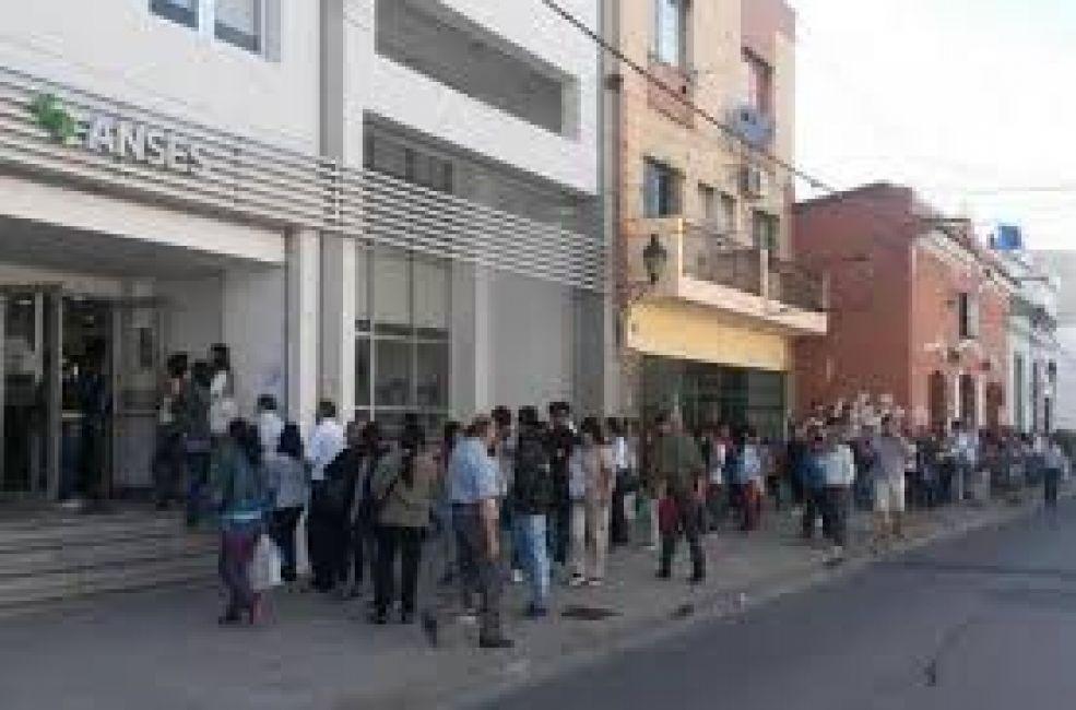 En Córdoba hay actividad, aunque resentida — Paro en Anses