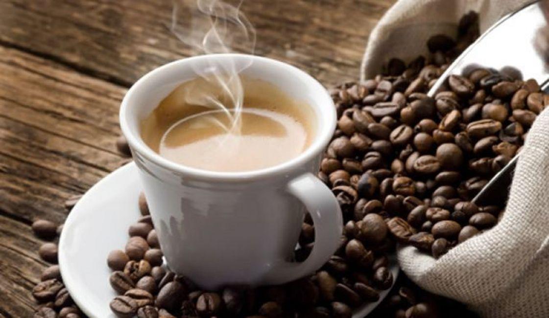 Beber café podría alargar la vida, según estudios