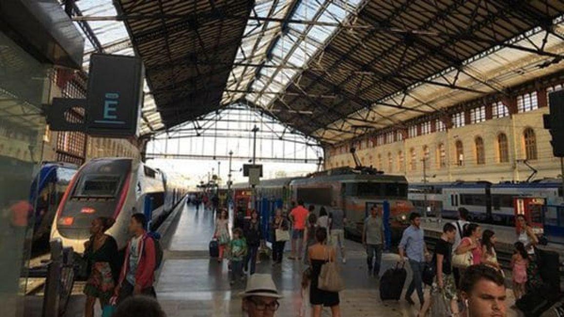 Una desconocida ataca con ácido clorhídrico a cuatro turistas en Francia