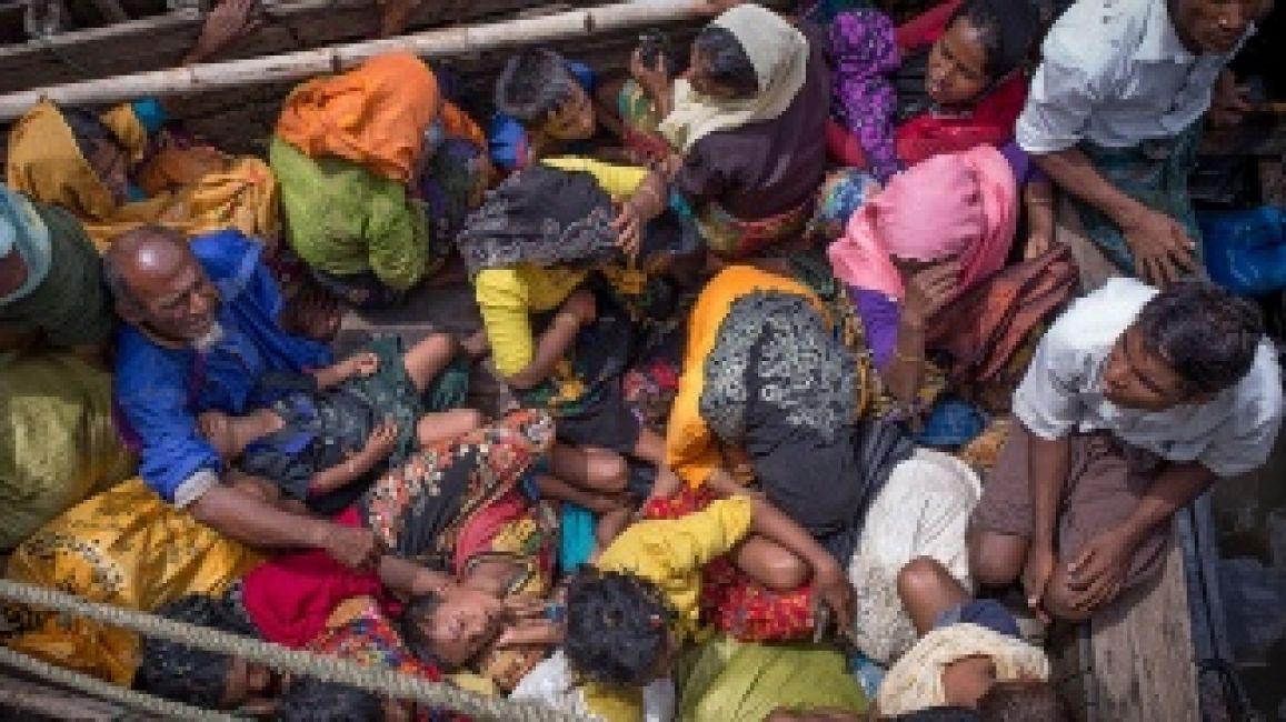 Más de medio millón de personas huyen de Myanmar