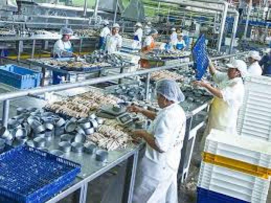 Indec: la industria avanzó 4,4% en octubre