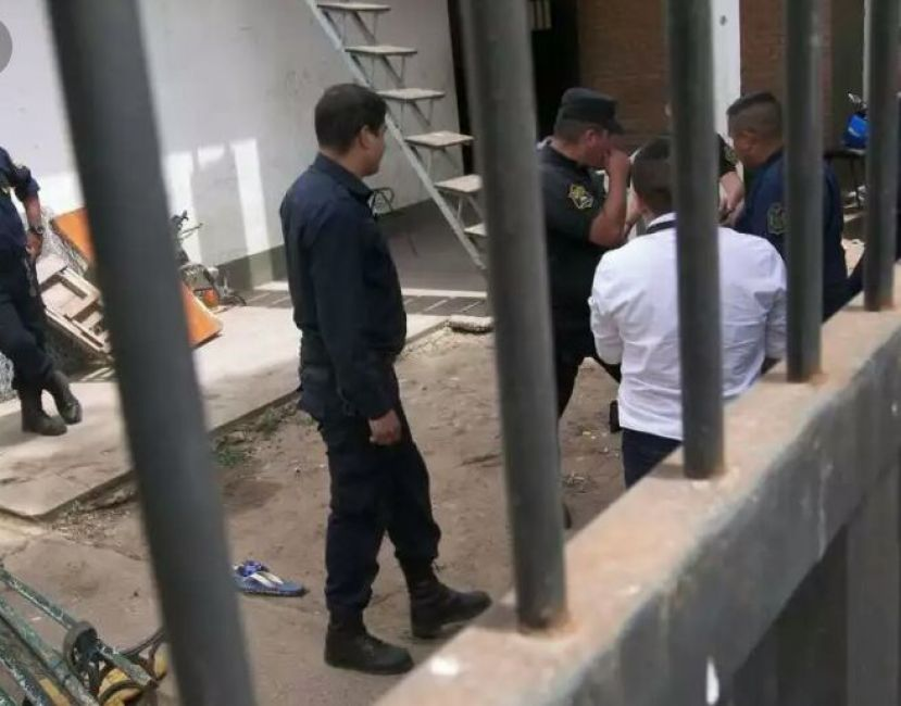 Escaparon 14 presos de la Comisaria de Tartagal — Otra vez sopa