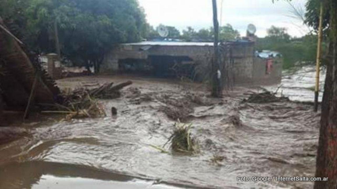 Las inundaciones en Salta ya dejaron 10 mil evacuados — Fotos y videos