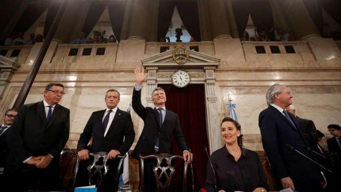 Macri confirmó el debate sobre el aborto, pero Carrió pidió postergarlo