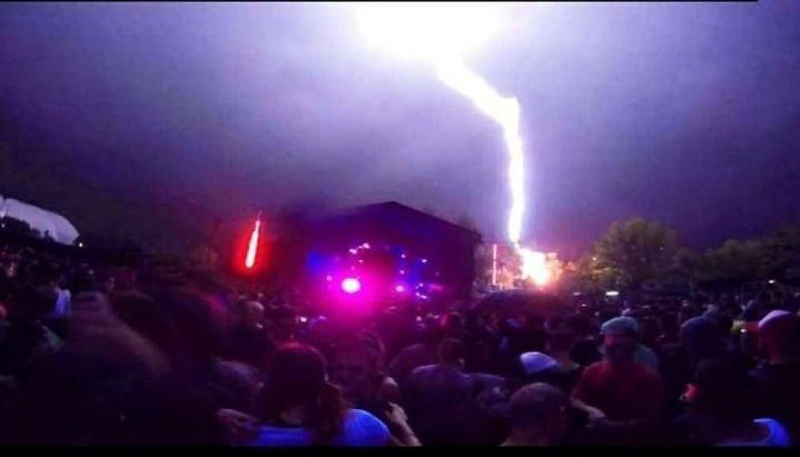 Un rayó hizo derrumbar un escenario en plena fiesta electrónica — Paternal