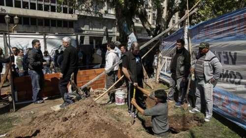 La Ciudad le cobrará a los ex soldados el arreglo de la Plaza de Mayo