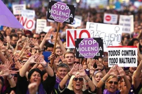 """""""¿Cerró bien las piernas?"""", le preguntó una jueza a una joven violada en España"""