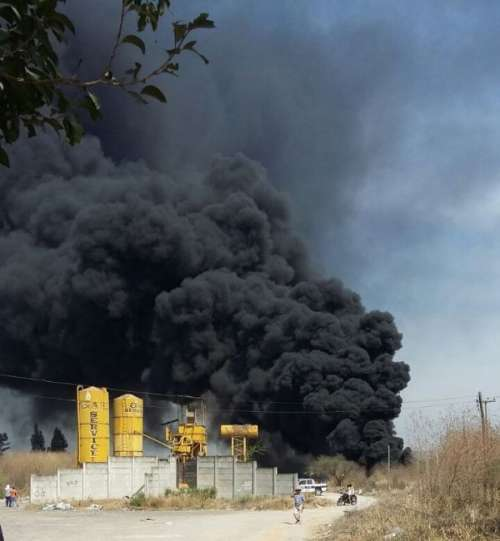 Evacuaron a cien vecinos de Santa Ana por un incendio
