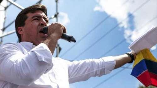 Irrumpieron la casa del opositor venezolano Ceballo y lo trasladaron a una cárcel común