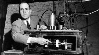 """Murió el """"padre"""" del láser, que revolucionó la ciencia y las telecomunicaciones"""