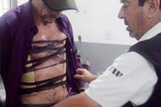"""Atraparon a un hombre con """"ladrillos"""" de cocaína pegados a su cuerpo"""