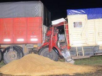 Un muerto al chocar dos camiones en Cabeza de Buey