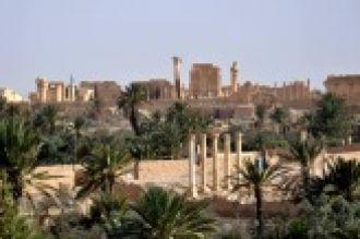 El Estado Islámico destruye importante estatua en el entrada del Museo de Palmira